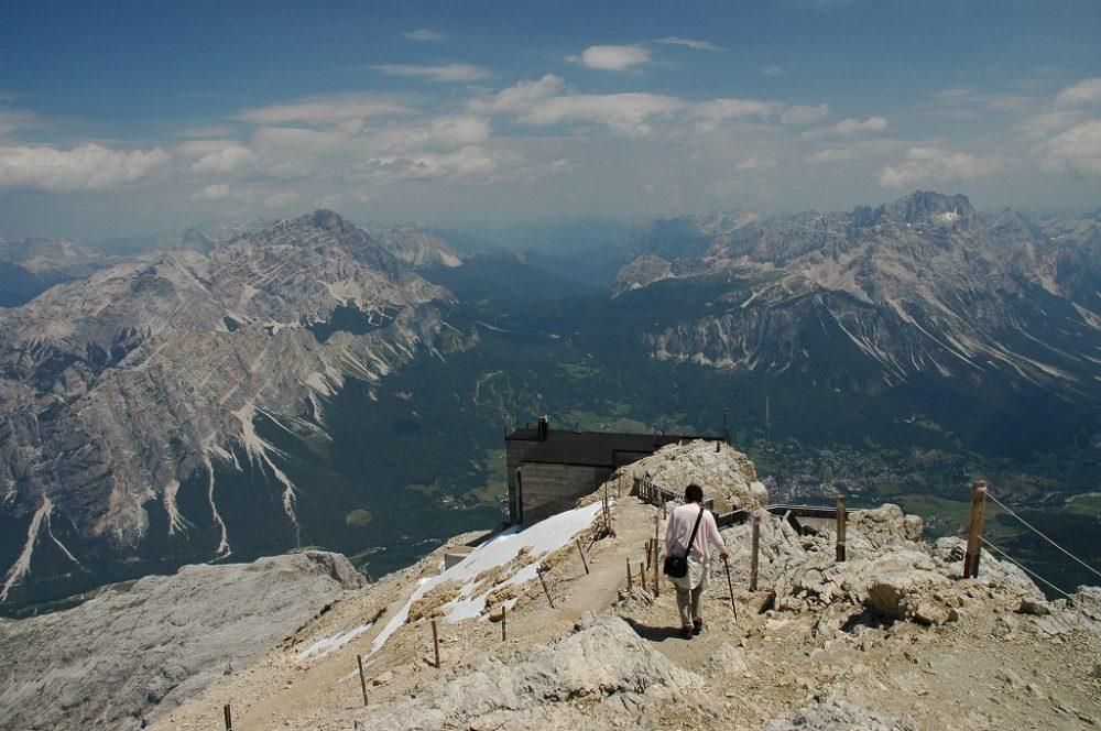 ドロミテの真珠・コルティナ・ダンペッツォ。トファーナからの眺め。世界遺産。