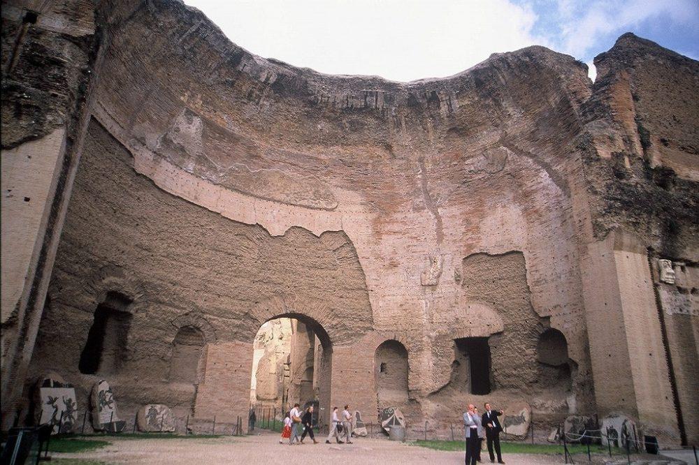 カラカラ浴場、ローマ。イタリア世界遺産、古代ローマ人はお風呂が大好きでこんな大浴場を