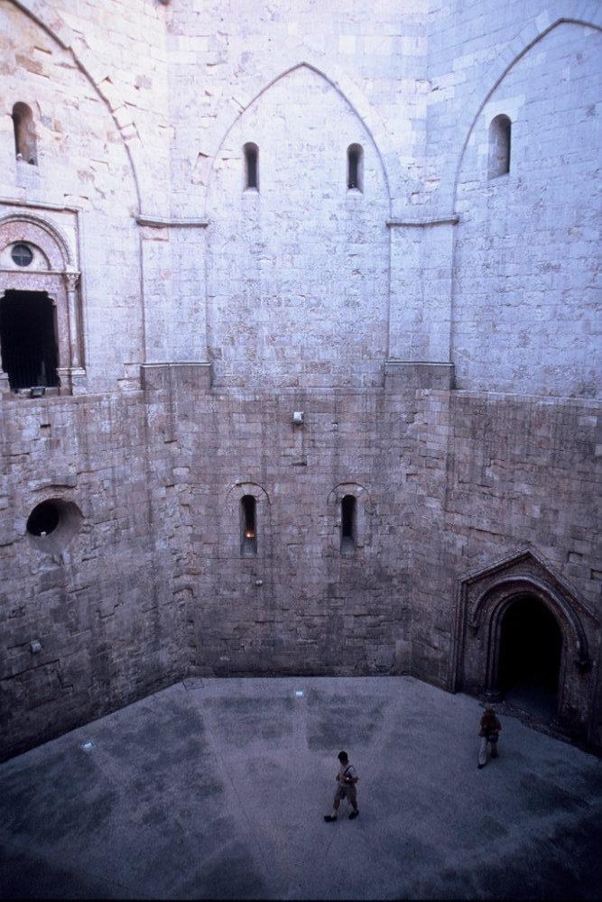 カステル・デル・モンテの画像 p1_32