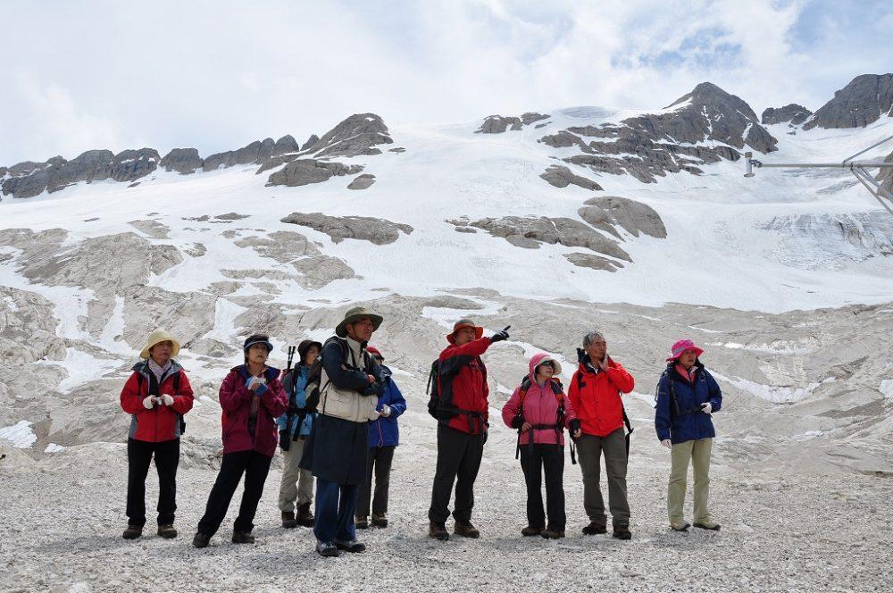 マルモラーダ(3,342m)ドロミテ最高峰を目指しトレッキング。フェダイア湖へ