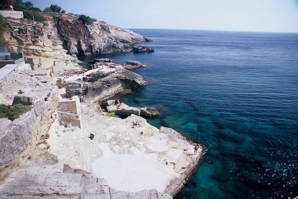 マリーナ・ディ・レウカlからレッチェへのイオニア海、こんなきれいな海があれば
