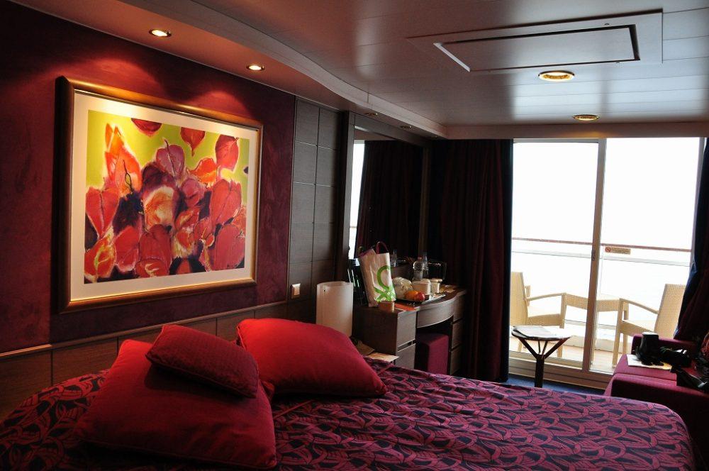 クルーズ船内二人用のツインルーム(参考写真)