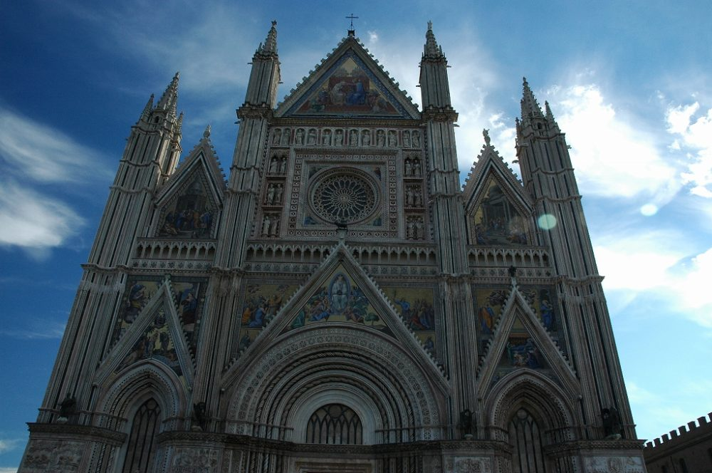 イタリア、ウンブリア州、オルヴィエート大聖堂ファッサード