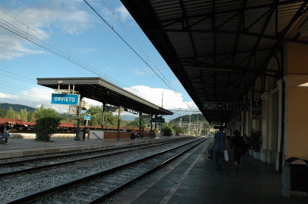 イタリアのハートと呼ばれる緑なすウンブリア。オルヴィエート鉄道駅