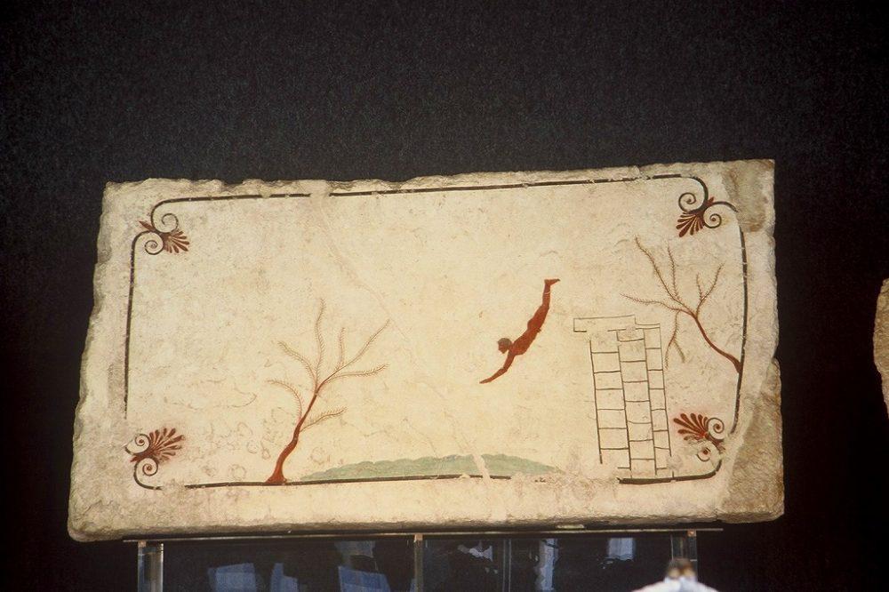 パエストゥム、水に飛び込む男。パエストゥム考古学博物館所蔵。南イタリア世界遺産