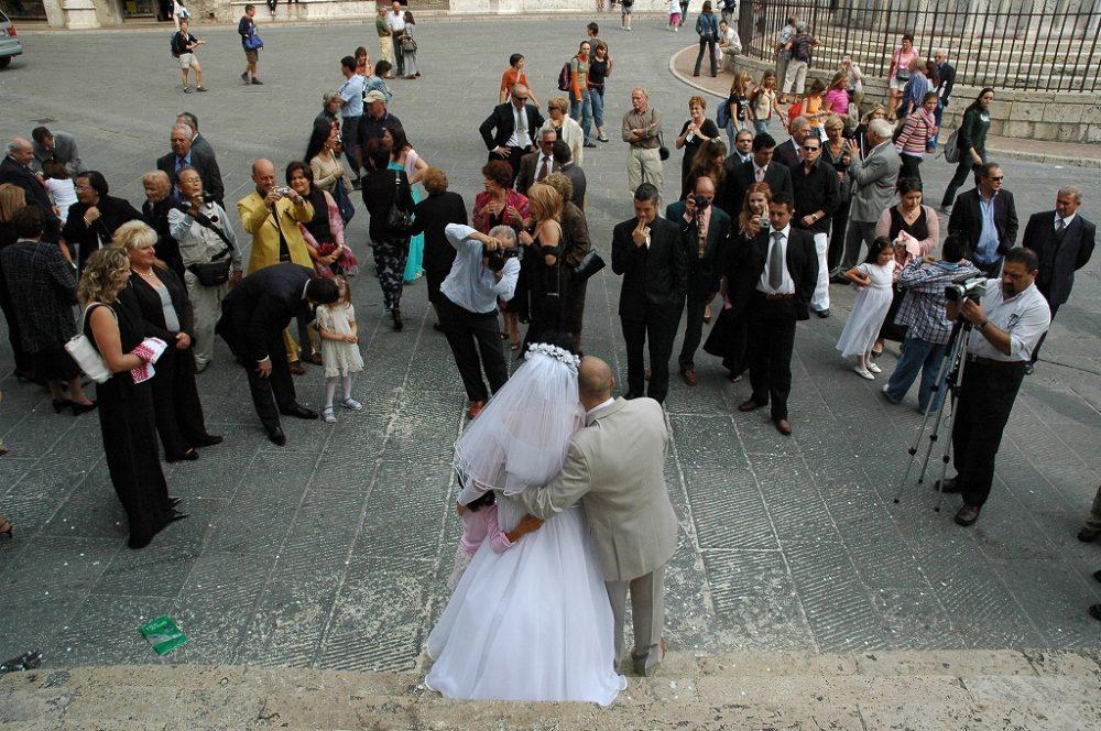 ペルージア、結婚式の記念撮影。イタリアのハートを呼ばれるウンブリア州都。