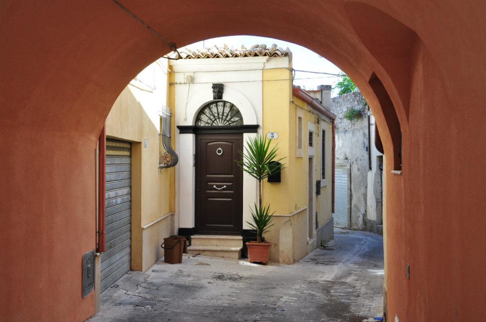 イタリアシチリア島ラグーサの街角