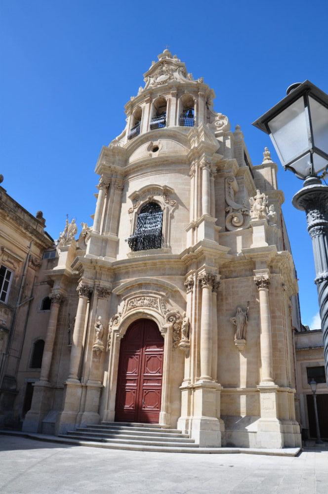 イタリアシチリア島ラグーサイブラサンジュゼッペ教会