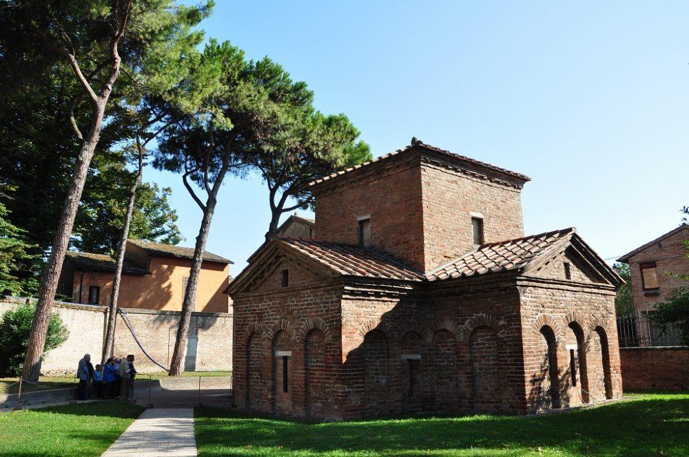 ラヴェンナ、サン・ヴィターレ聖堂敷地に建つガッラプラチデイア霊廟